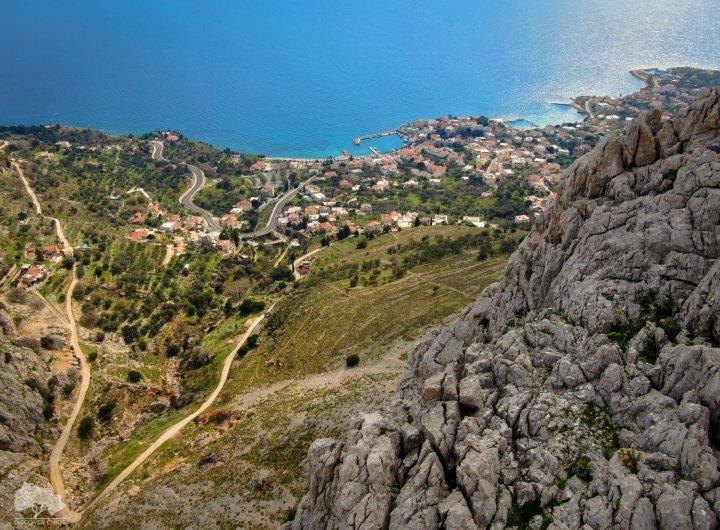 Η υπέροχη θέα της Δασκαλόπετρας από τα αγέρωχα βουνά του Ράχτη