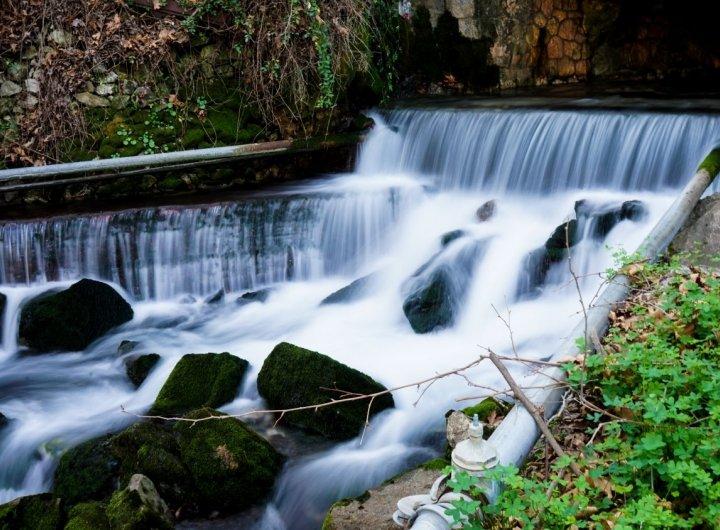 Η αστείρευτη πηγή του Ναγού με τα κρυστάλλινα νερά